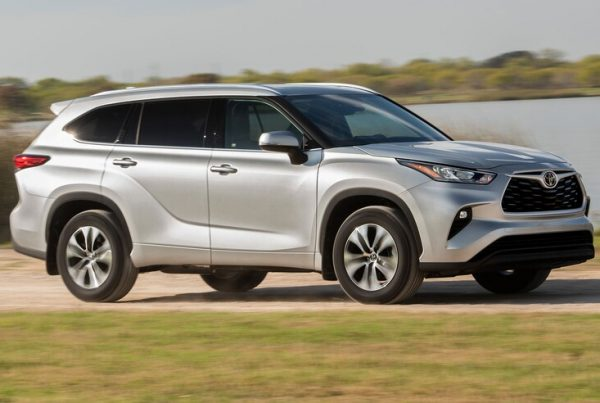 2020-Toyota-Highlander-XLE-9